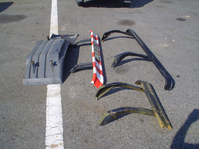 サイド・リヤバンパーやプロテクター・反射板・保安部品等
